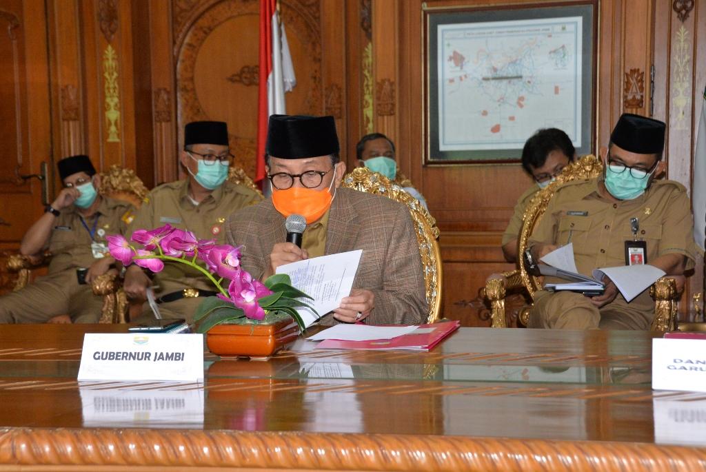 Gubernur Jambi Fachrori saat Video Conference (vicon) dengan KLHK.(Ist)