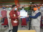 Anggota DPR RI Komisi IX Sutan Adil Hendra serahkan bantuan APD kepada Gubernur Jambi