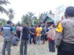 Aksi demo warga Desa Sumber Agung tuntut kades mundur