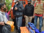 Pj Sekda Muaro Jangning bersama tim salurkan bantuan pada korban kebakaran.