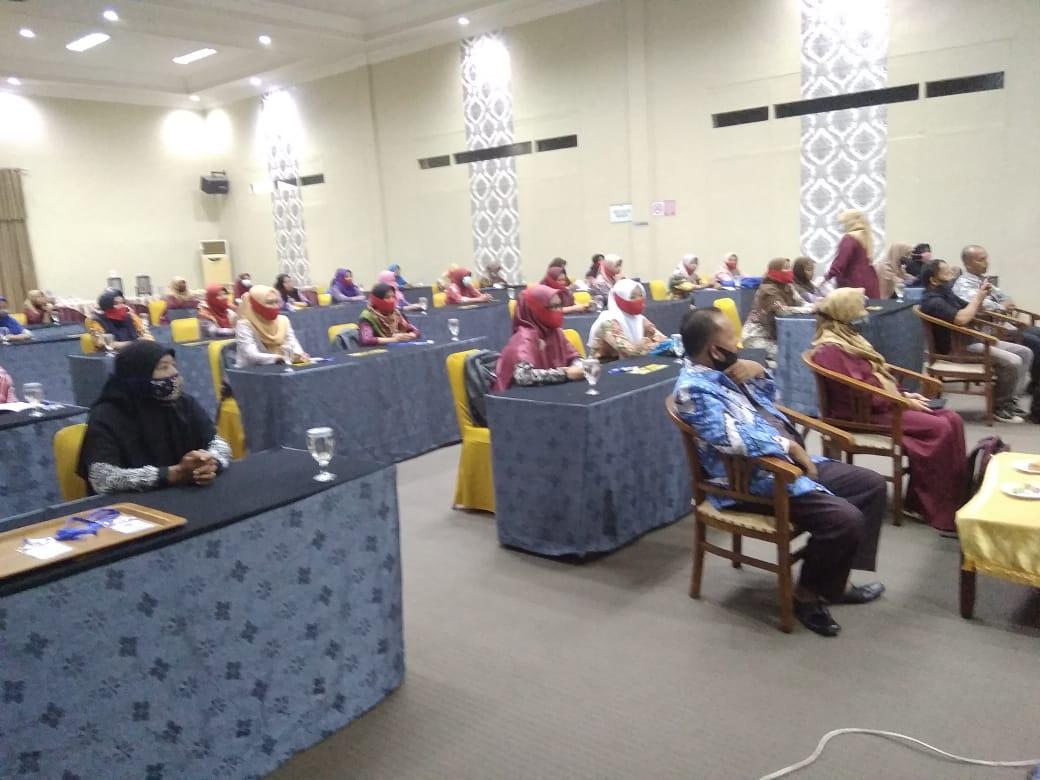 Foto para guru PAUD peserta (Diklat) berjenjang tingkat dasar tahun 2020.