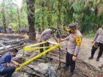 proses penutupan sumur minyak ilegal di Bahar Selatan
