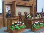 Usman Halik saat membacakan rekomendasi fraksi di sidang paripurna DPRD Muaro Jambi.