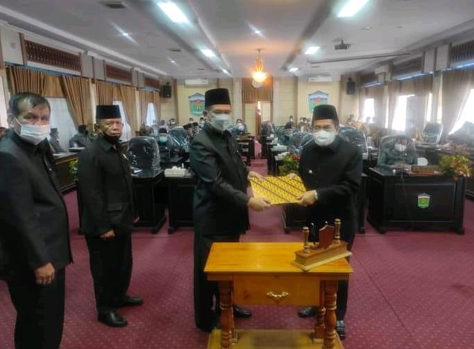 paripurna pengesahan LKPJ Wali Kota Sungai Penuh.