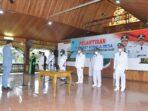 Bupati Batanghari M.Fadhil Arief saat melantik penjabat Kades.