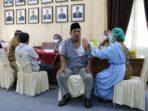 Anggota DPRD Muaro Jambi jalani vaksinasi Covid-19