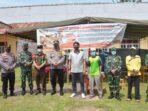 Bupati M.Fadhil Arief berfoto bersama di TPS Kembang Seri.