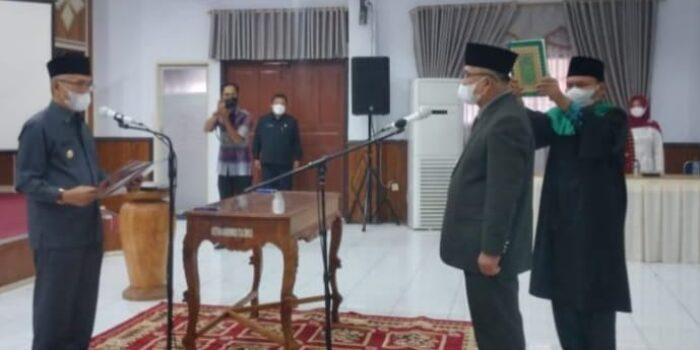 Bupati Adirozal lantik Zainal Efendi sebagai Sekda Kabupaten Kerinci.